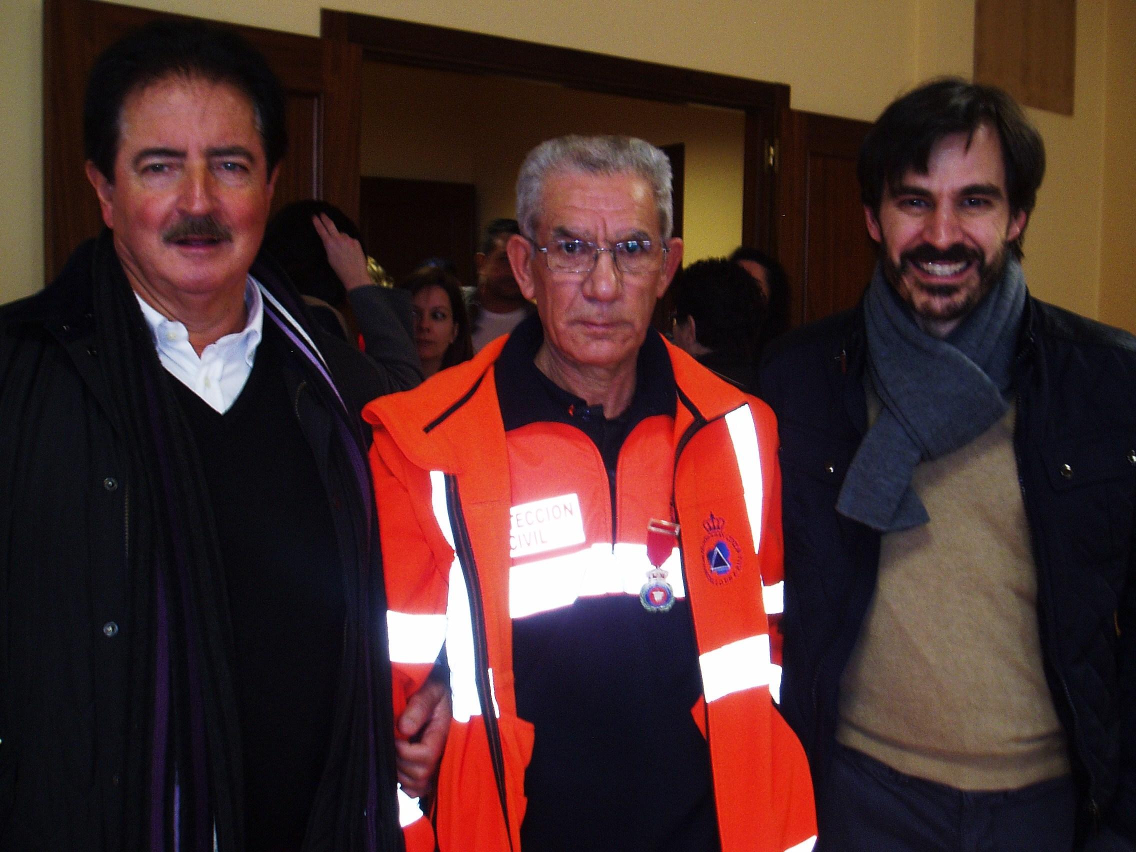 Llorente a la izquierda, responsable provincial de Protección Civil