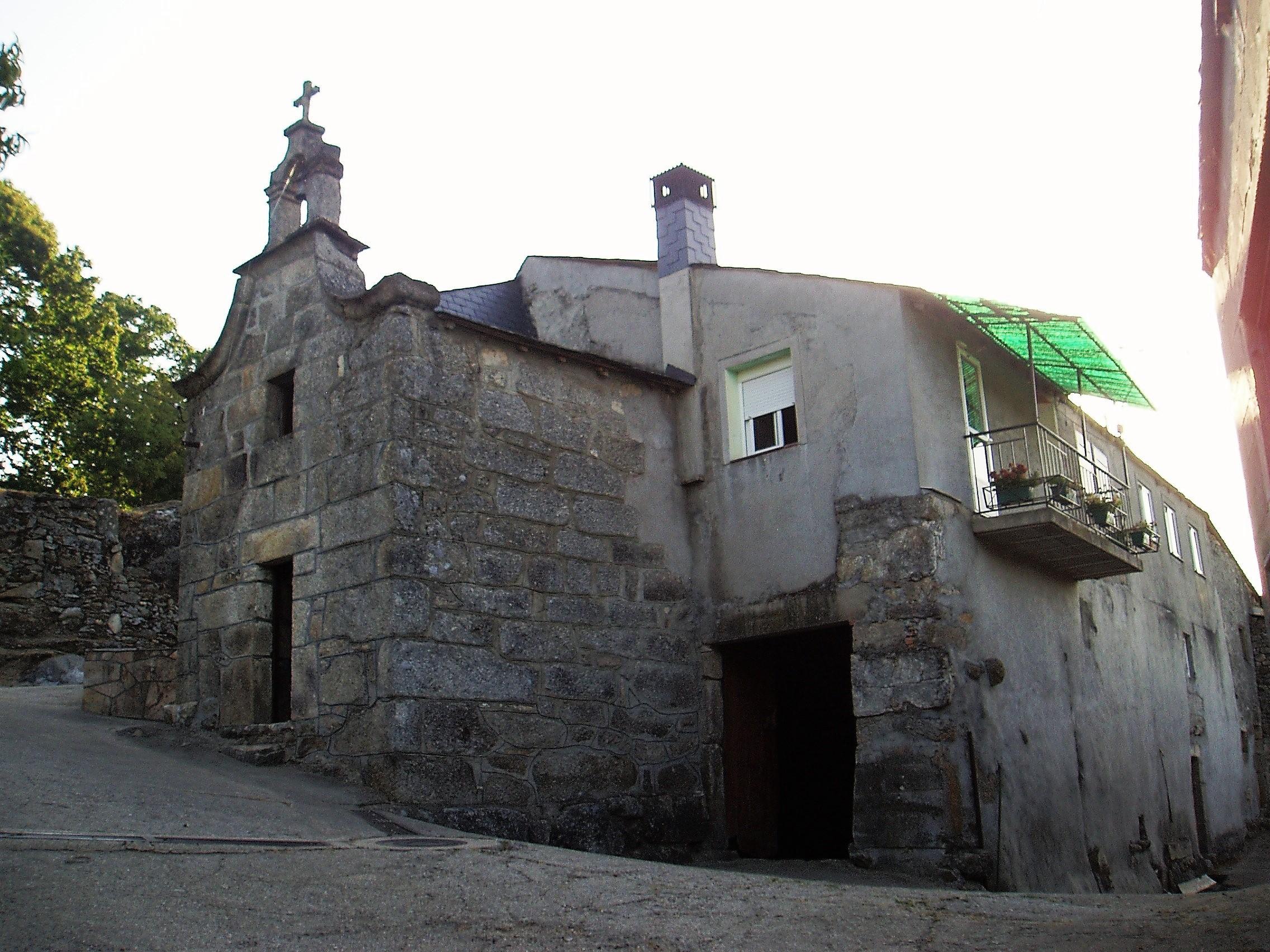 Mi vivienda es una casa capilla creando tu provincia for Vinci una casa