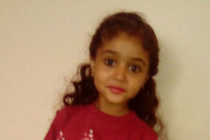 Solicitan ayuda para acompañar a su pequeña a la protonterapia en Italia