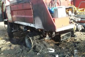 Un incendio en Quereño (Rubiá) también alcanzó un vehículo contra incendios