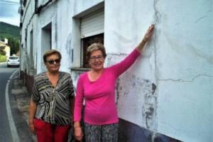 El tráfico que soporta la Avenida de Somoza de A Rúa agrieta las casas
