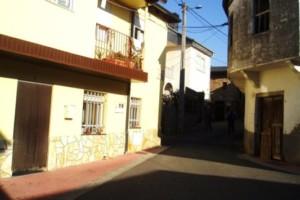 Vecinos de Arcos solicitan al Concello de Vilamartín una nueva fosa séptica y el arreglo de caminos