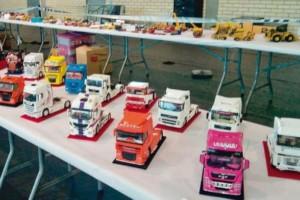 Exposición de camiones a escala en Toral de los Vados