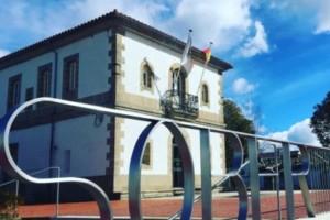 La Plaza del Ayuntamiento de Sober luce imponente tras las mejoras