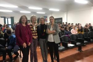 El proyecto 'NI + NI -, IGUALES' acerca el ejemplo de mujeres gallegas singulares a centro educativos