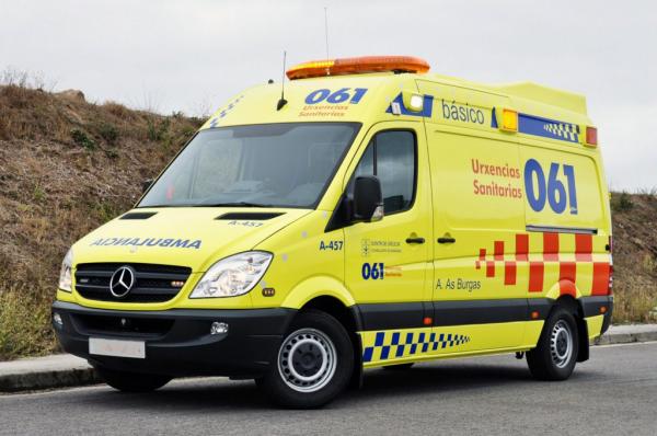 Atendidas, por el 061 de Galicia, 80 personas por 55 accidentes de circulación durante el fin de semana