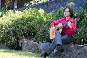 Sober marida perfectamente ubicación y música con el concierto gratuito del reconocido guitarrista Luis Alejandro García en el Pazo