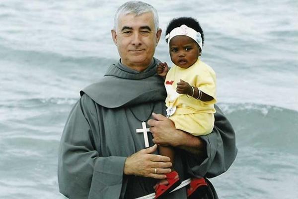 Isidoro Macías, padre patera